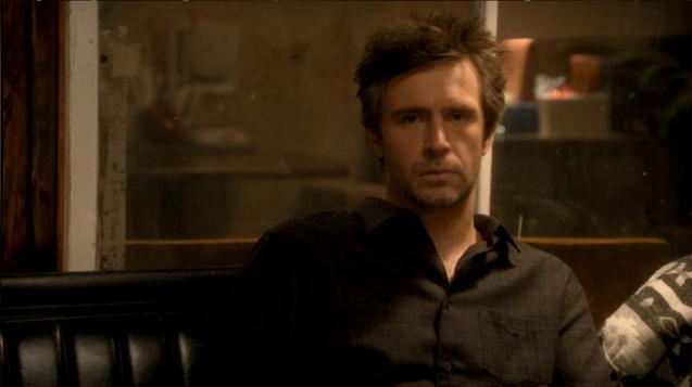 Derek Wills (Jack Davenport)