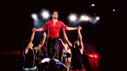 Jimmy Collins (Jeremy Jordan)