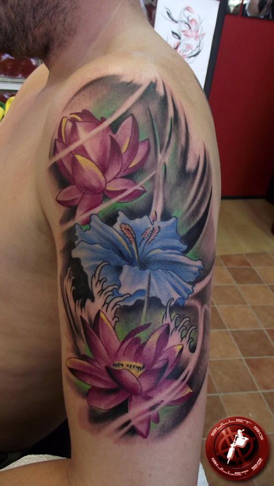 tattoofriday 30 fotos de homens tatuados com flores. Black Bedroom Furniture Sets. Home Design Ideas