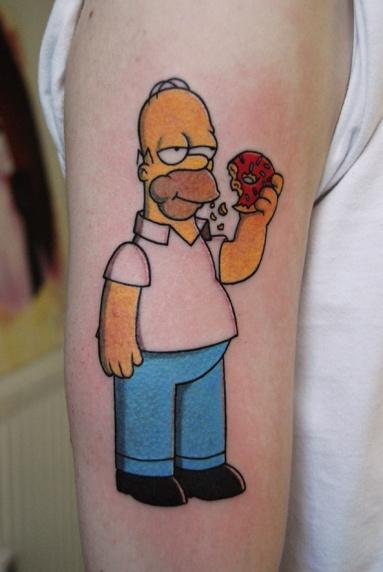Tatuagem-Homer-Simpson-comendo-rosquinha