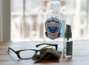 uso-para-vodka-barata-limpar-oculos
