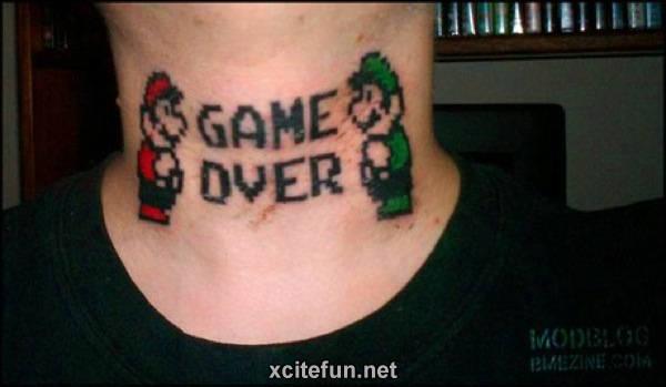 Mario-Luigi-Neck