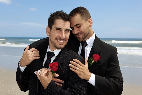 married-gay-couple-121213