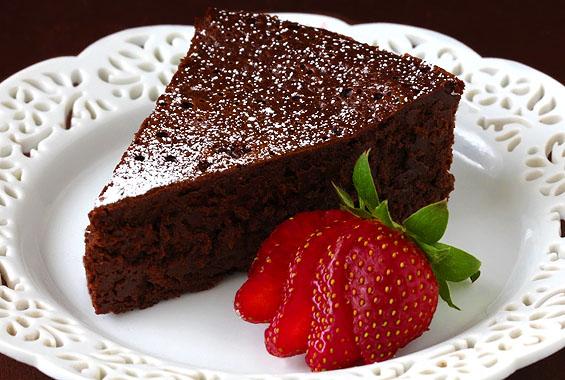 slice-of-flourless-chocolate-cake2