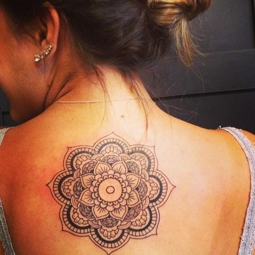 mandala-tattoo-on-girl-upperback