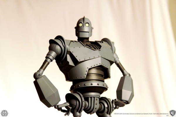 mondo-toys-iron-giant-2-600x400