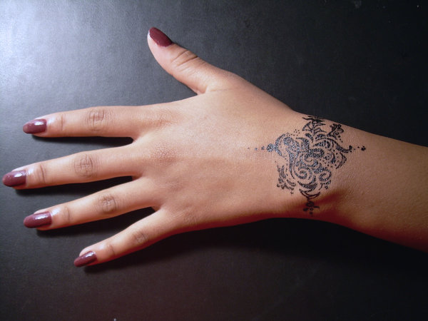 Bracelet_Tattoo_2_by_meenie
