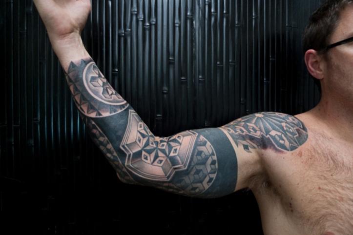 geometric-tattoo-on-man-right-sleeve