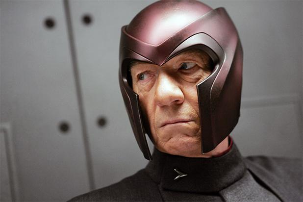 "Sir Ian McKellen como Magneto emvários""X-Men""."