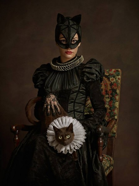 renaissance-cosplay-catwoman-449x600
