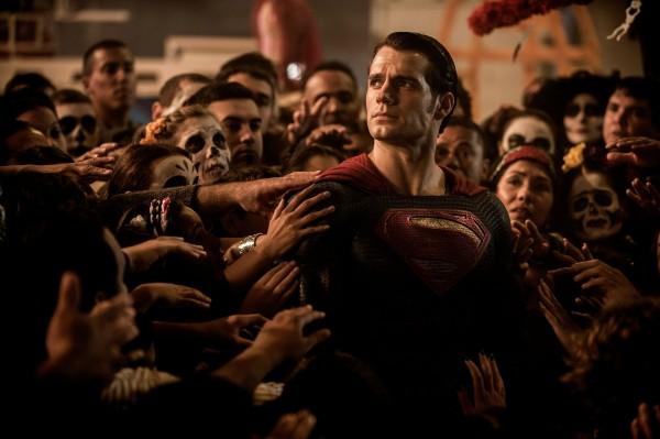 batman-vs-superman-ew-pics-1-600x399