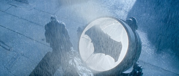 batman-vs-superman-ew-pics-4-600x257