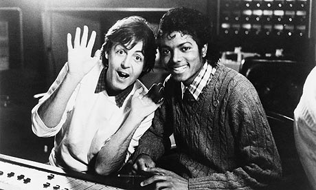 Paul-McCartney-and-Michael Jackscon