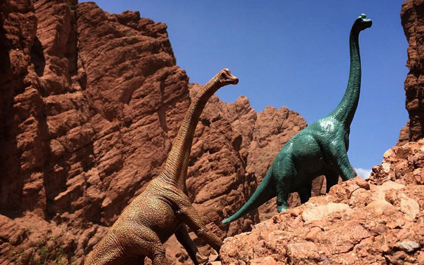 travel-photography-dinosaur-toys-dinodinaseries-jorge-saenz-1742