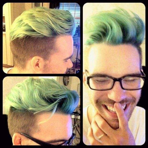 blue-hair-men2