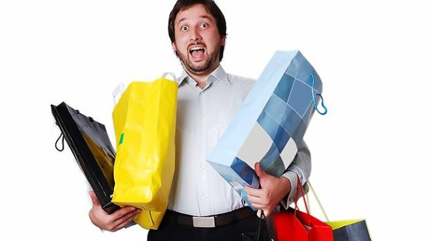243106-men-shopping