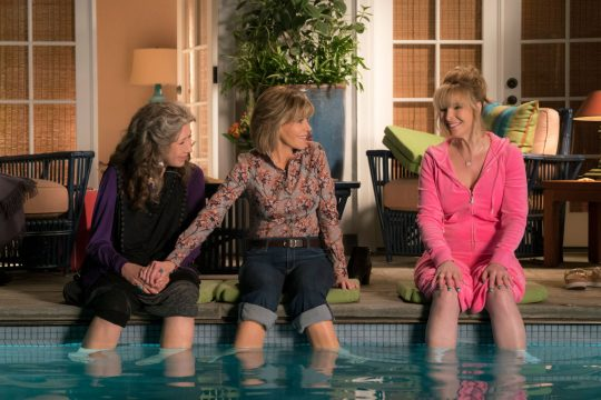 lisa-kudrow-grace-and-frankie-e1492017595186