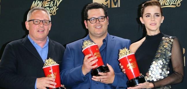 bill-condon-josh-gad-emma-watson-mtv-movie-awards-2017-afp