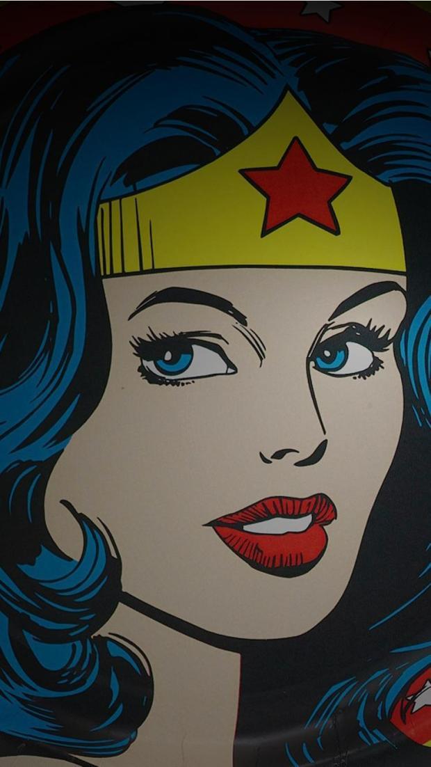 iphone-7-wallpaper-Wonder_Woman_02