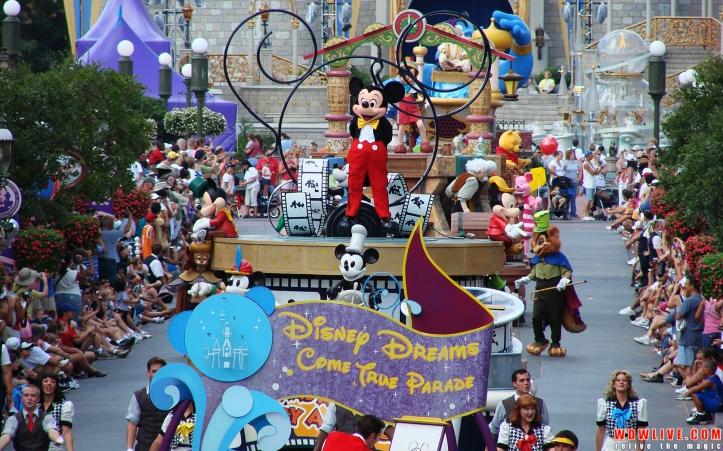 disney-parade-12